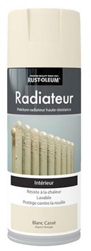 Une peinture en bombe radiateur haute résistance Rust-Oleum, disponible sous trois coloris différents : gris, fonte et blanc cassé chez Leroy Merlin à 14,90€.