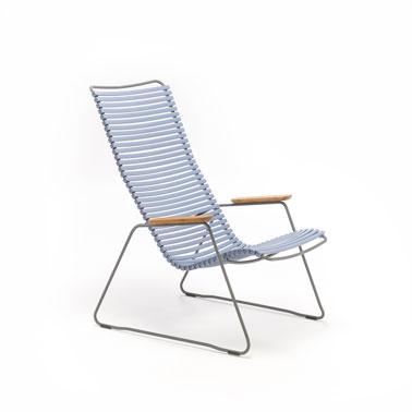 Un petit fauteuil d 39 ext rieur bleu pastel en r sine et acier - Fauteuil exterieur resine ...