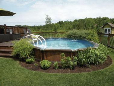 une piscine hors sol dcore de vgtation sur une terrasse en bois - Terrasse En Bois Autour D Une Piscine Hors Sol