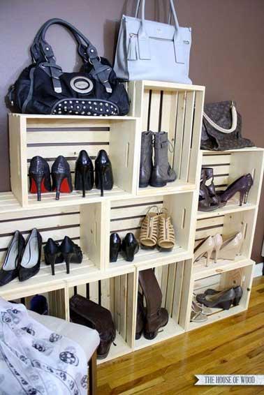 faire un dressing avec des caisses en bois. Black Bedroom Furniture Sets. Home Design Ideas