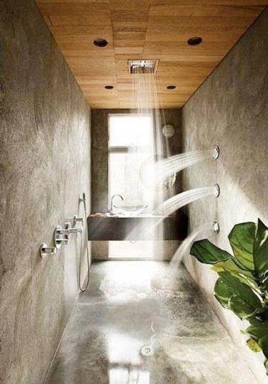 Laissez-vous dépayser par la déco tropicale de cette salle de bain exotique avec sa douche italienne ! Une salle de bain italienne pour se relaxer et faire un break
