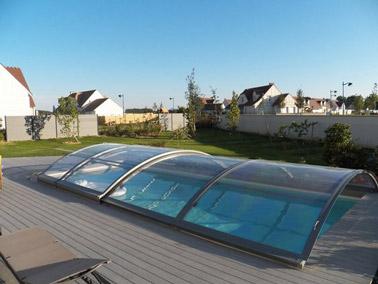 Les plus beaux abris de piscine for Couvrir piscine exterieure