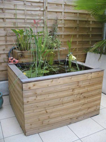 un bassin de jardin d co hors sol en bois. Black Bedroom Furniture Sets. Home Design Ideas