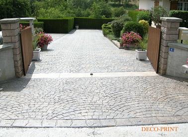 Le b ton imprim pour vos sols ext rieurs id es et avantages for Decoration jardin devant maison