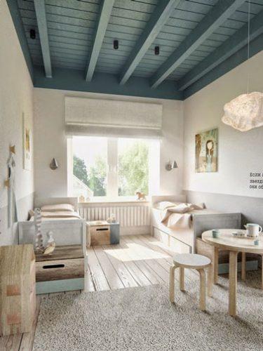 Voilà une chambre d'enfant qui favorisera les jolis rêves avec un mariage de couleurs pastel et naturelles soulignées par un beau plafond peint en vert !