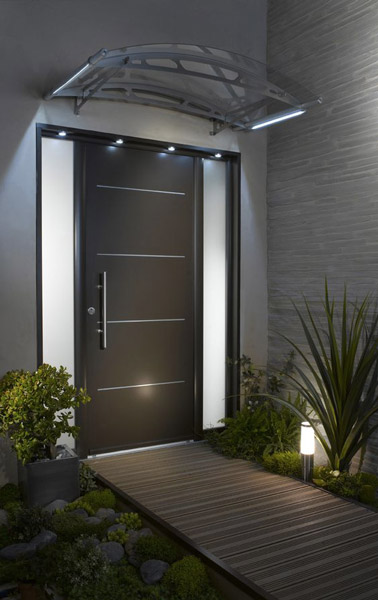 Une d co de porte d 39 entr e ext rieure design for Porte exterieur design