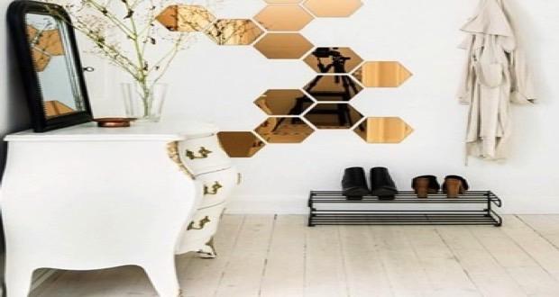 Les miroirs inspirent la déco intérieure et donnent du style ! Miroirs de forme hexagonale, triangulaire, rond ou en losange, les idées sont nombreuses !