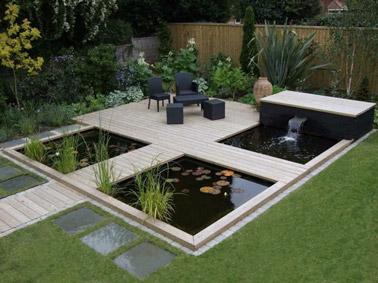 Un jardin japonais avec des petits bassins et une fontaine for Bassin de jardin avec fontaine
