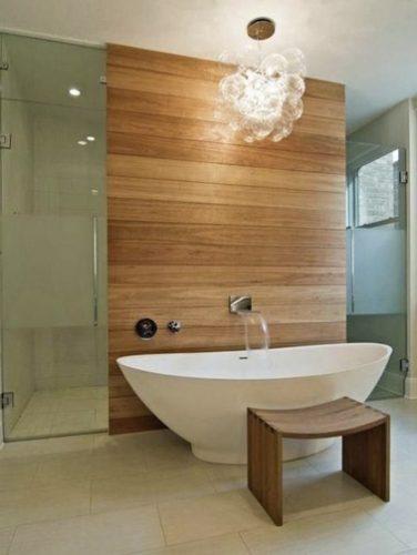 Une salle de bain bois avec une baignoire lot - Repeindre une baignoire ...
