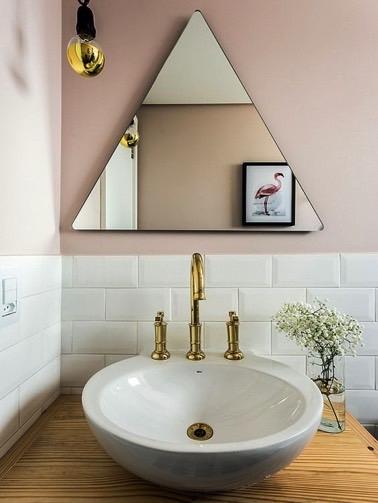 Des miroirs originaux pour une d co tendance deco cool for Miroir au dessus du lit