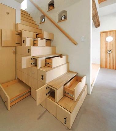 Quoi de plus pratique que d'utiliser les escaliers pour maximiser pleinement l'espace de la maison ? Voilà des tiroirs discrets qui deviendront vos meilleurs alliés