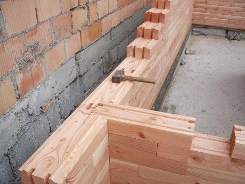 Construction d'une maison en parpaings de bois