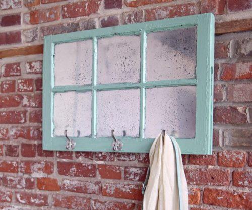 Porte-manteaux à partir d'une fenêtre de récup