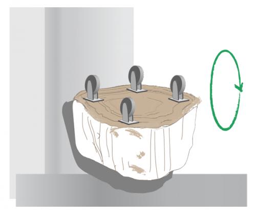 fixation des roulettes sur le tronc darbre - Table Basse Tronc D Arbre