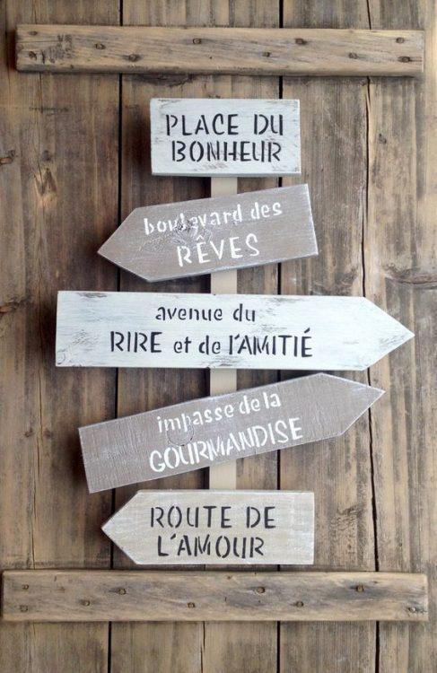 panneaux directionnels pour un message sympathique voire humoristique